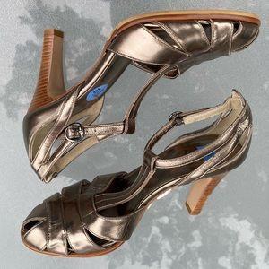 🆕 DKNY Italian Bronze Leather Peep Toe Heels 7.5